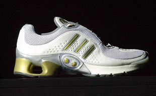Chaussure de sport intelligente (2004) 4