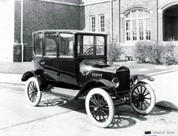 1920-1922 Model T Tudor Center D