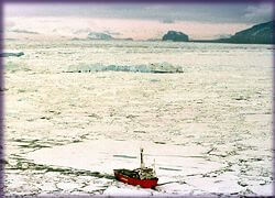 icebreaker-ho_antarctica_greenpeace_m