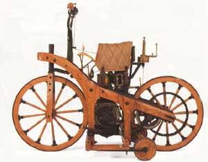 Motocyle à 4 temps (1885) 7