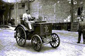 premiere_voiture_essence_panhard_1893
