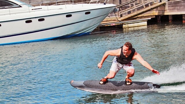 Radinn-electric-powered-wakeboard