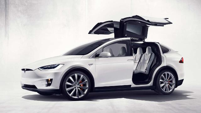 Tesla Model X : un 4x4 électrique familiale 2