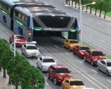 Straddling bus : le bus enjambeur anti-bouchons 3